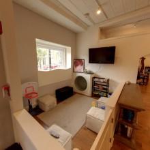 Salon Interior 4